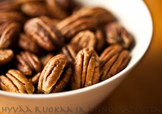 Amerikkalainen pekaanipähkinäpiiras totiseen makeannälkään
